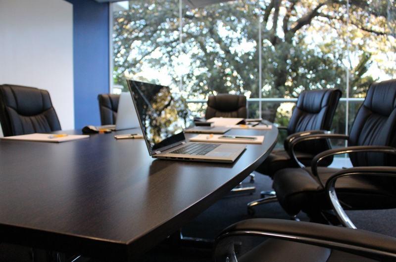 Наличие комнаты для переговоров будет плюсом