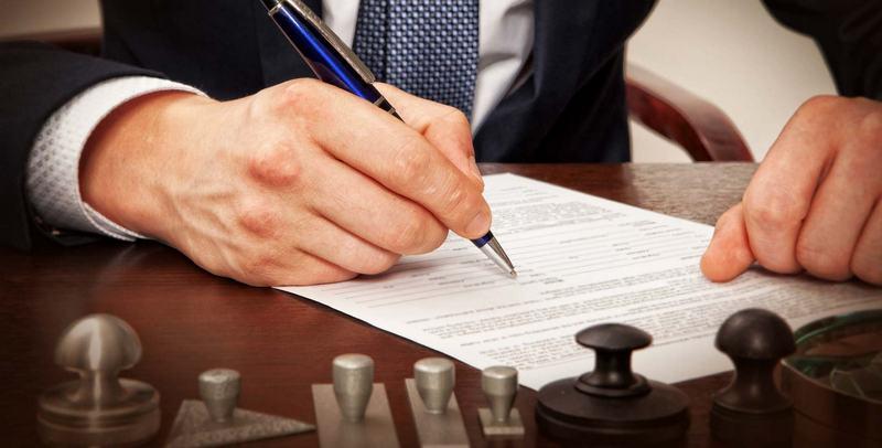 С юристом придется подписать договор
